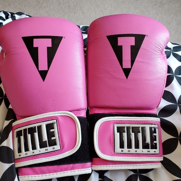 Title Boxing Gloves 14oz BRAND NEW